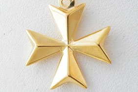 Maltese-Cross-Necklace