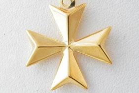 Maltese-Cross-Necklace